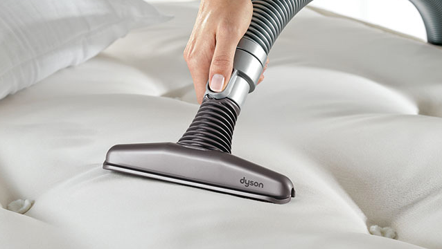 vacuum-clean-mattress